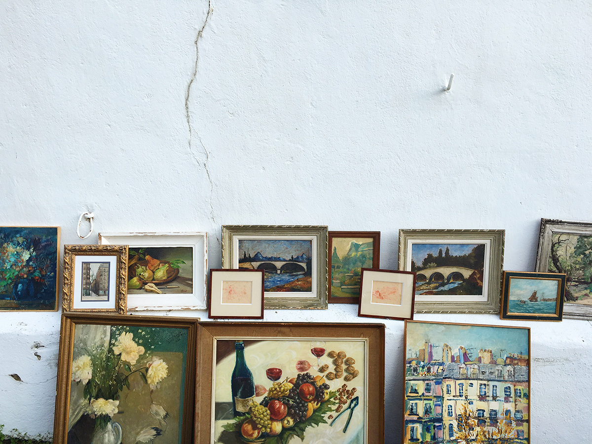Paintings at the Ahetze Brocante
