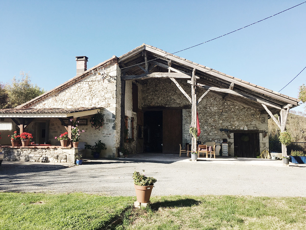 French-Country-Farmhouse-Pailloles-France