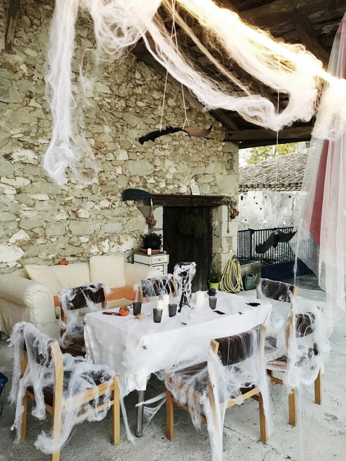 French-Farmhouse-Halloween