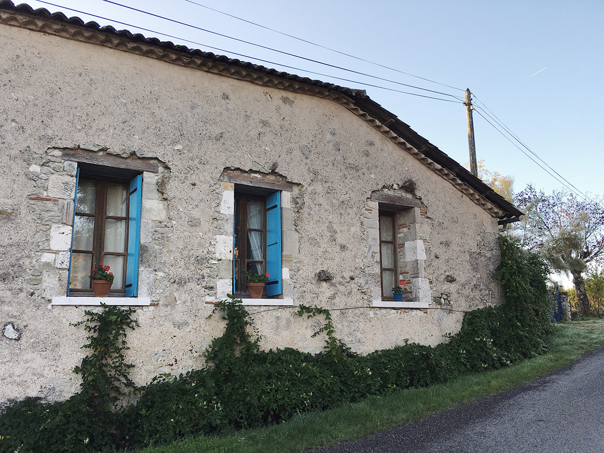 French-Farmhouse-Pailloles-France
