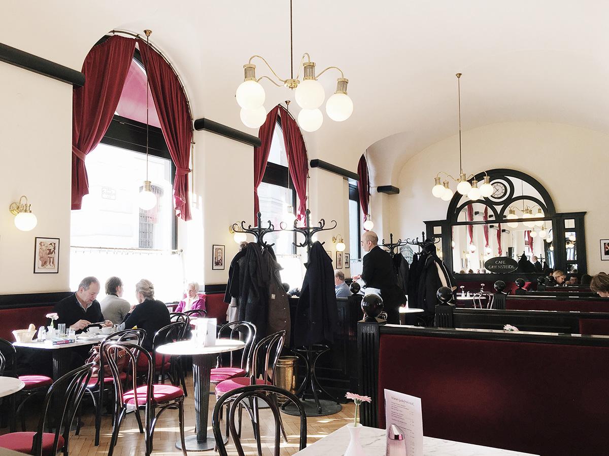 The_Baguettenbergers_Vienna_Austria_Cafe_Griensteidl