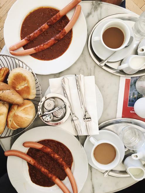 The_Baguettenbergers_Vienna_Austria_Cafe_Griensteidl_Breakfast