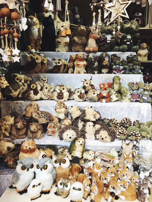 The_Baguettenbergers_Vienna_Austria_Christkindlmarkt_Animals