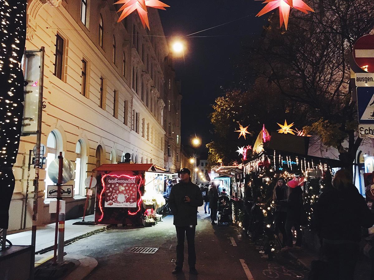 The_Baguettenbergers_Vienna_Austria_Christmas_Market_Spittelberg