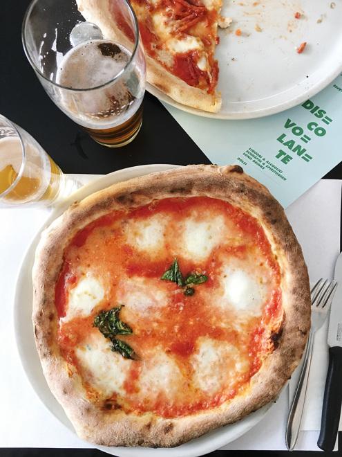 The_Baguettenbergers_Vienna_Austria_Disco_Volante_Pizza